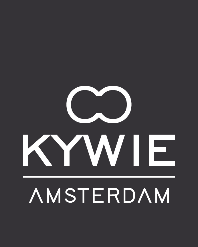 KYWIE® COOLER. A WINE COOLER MADE OF SHEEPSKIN